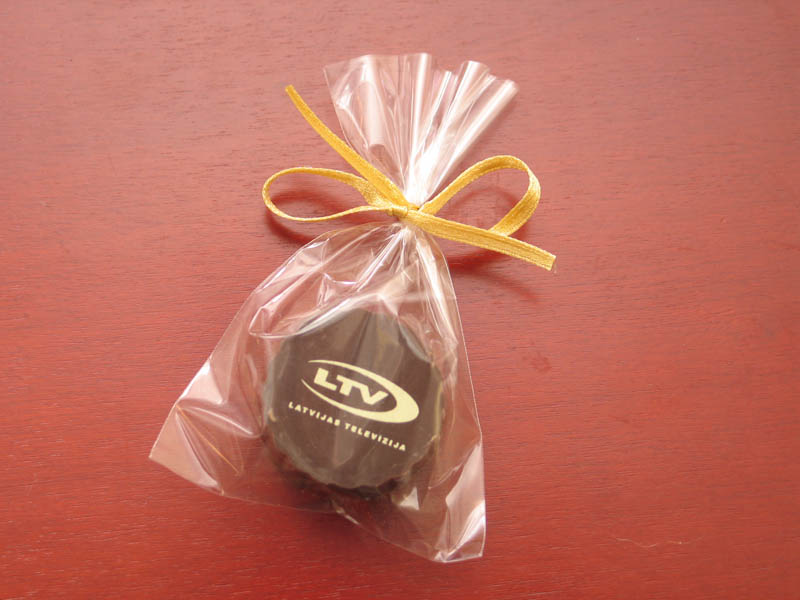 Praline with Hazel Nut Cream Filling in a polybag with Ribbon, 13g