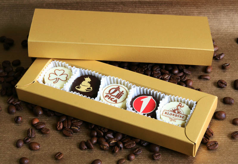 Personalized Chocolate - 65g (13g x 5 pc) 5 Pralines with Hazel Nut Cream Filling in a box