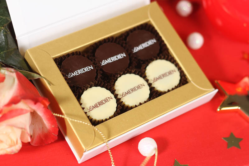 Chocolate Gifts - 6 Pralines with Hazel Nut Cream Filling in a Box with Magnet, 78g (13g x 6 pc)