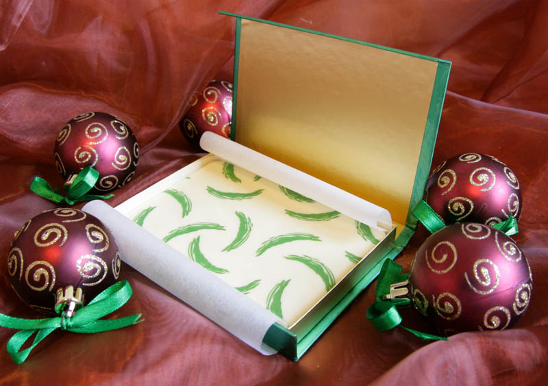Magnetic Closure Gift Box - Promotional Chocolate Bar in a box with magnet, 80g